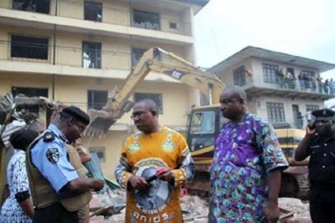 Onitsha-hotel-demolition