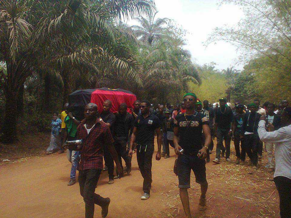 killed biafran laid to rest by members of IPOB