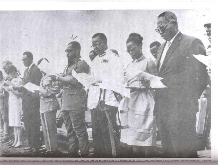 Biafran-Cabinet-at-a-Church-service